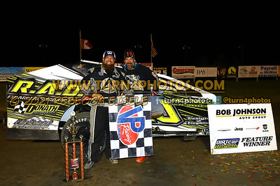 Victory lane Can AM 08-27-7
