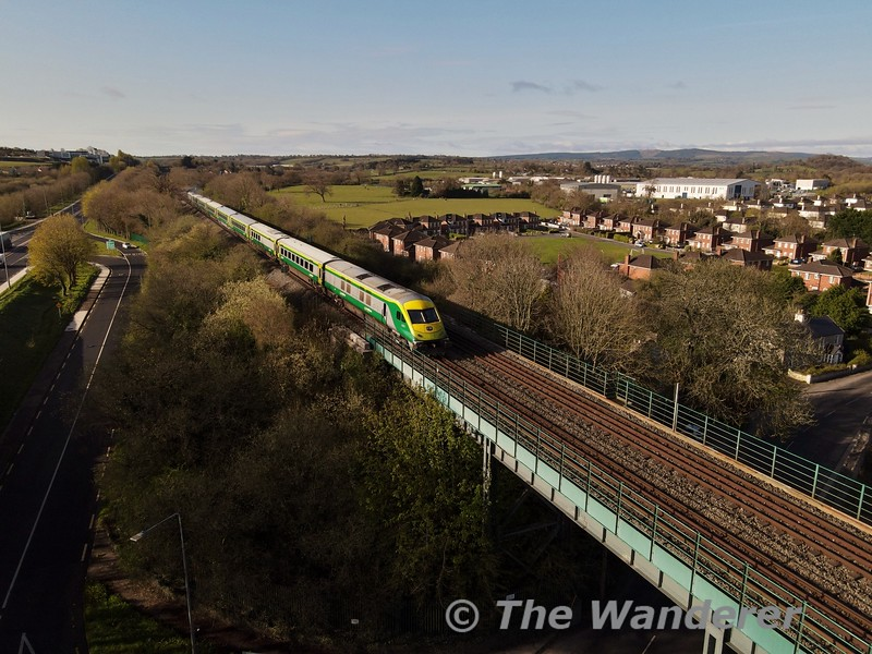 One MKIV set returned to service at the start of April working the 0700& 1500 Heuston - Cork, 1025 & 1825 Cork - Heuston services. Here we see 222 crossing Mallow Viaduct with the 0700 Heuston - Cork service with MKIV GC 4003 bringing up the rear. Mon 12.04.21