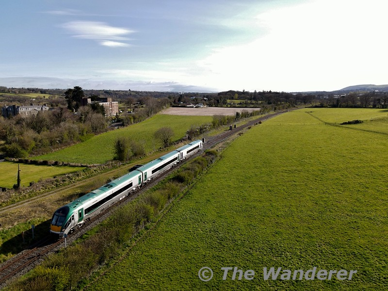 After reversing at Mallow to gain the Tralee Branch we see 22004 once again, this time at the Mallow Beet Factory Jct. with the 0900 Cork - Tralee. Mon 12.04.21
