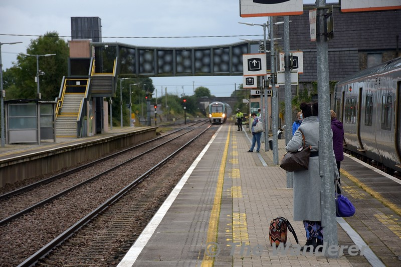 22017 approaches a quiet Ballybrophy with the 0740 Limerick - Heuston. The passenger offering today is still down on pre covid19 levels, however demand for this service at Portlaoise was at near pre covid19 levels. Tues 06.10.21