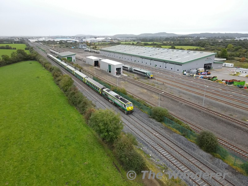 226 with MKIV set 4004 passes Laois Traincare Depot with the 1100 Heuston - Cork service which was carrying the President of Ireland, Michael D. Higgins to Mallow where he would then travel onwards to Killarney on 4ICR 22027. Tues 06.10.21