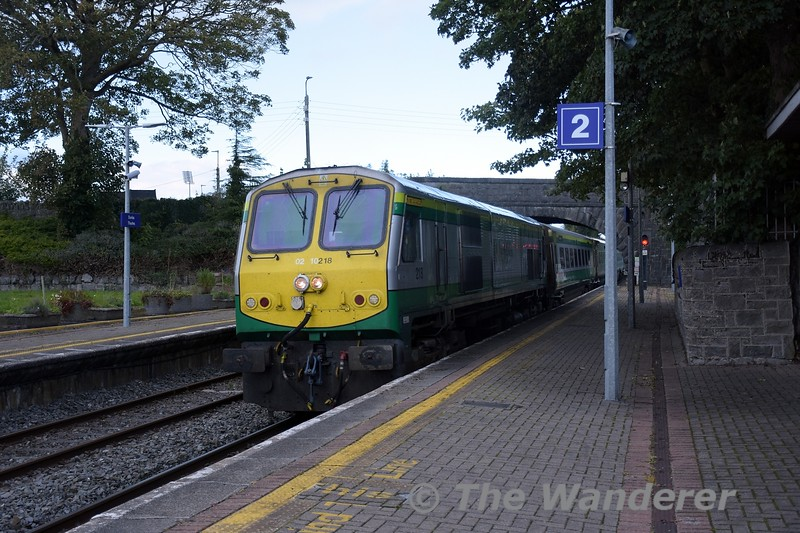 218 arrives into Thurles with the 1600 Heuston - Cork. Tues 05.10.21