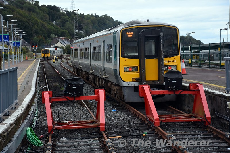 2614 + 2617 are stabled in platform 3 for the 1630 Cork - Cobh while 2607 + 2608 have departed platform 1 with the 1515 to Midleton. Wed 22.09.21
