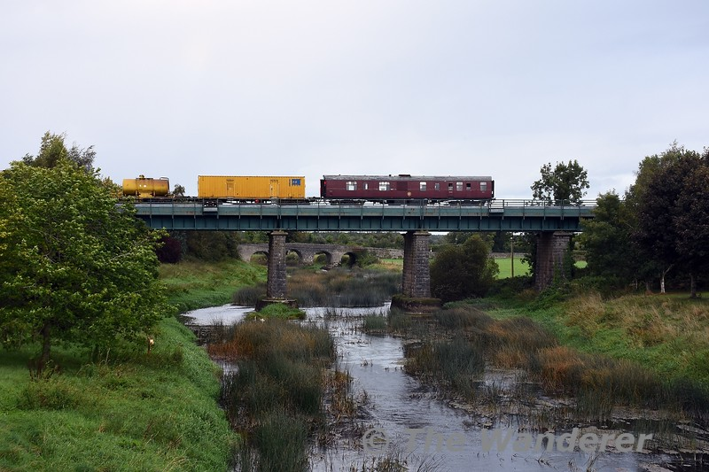 As mentioned in the August gallery, the RPSI GSV 3173 has been hired by IE to work with the Sperry Train on the current tour of the network. Here we see 081 passing over the Barrow Bridge at Monasterevin with the 1015 North Wall - Portlaoise movement. Sun 26.09.21