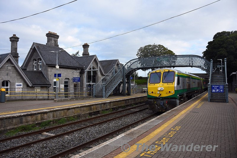 232 arrives into Thurles with the 0800 Heuston - Cork. Wed 22.09.21