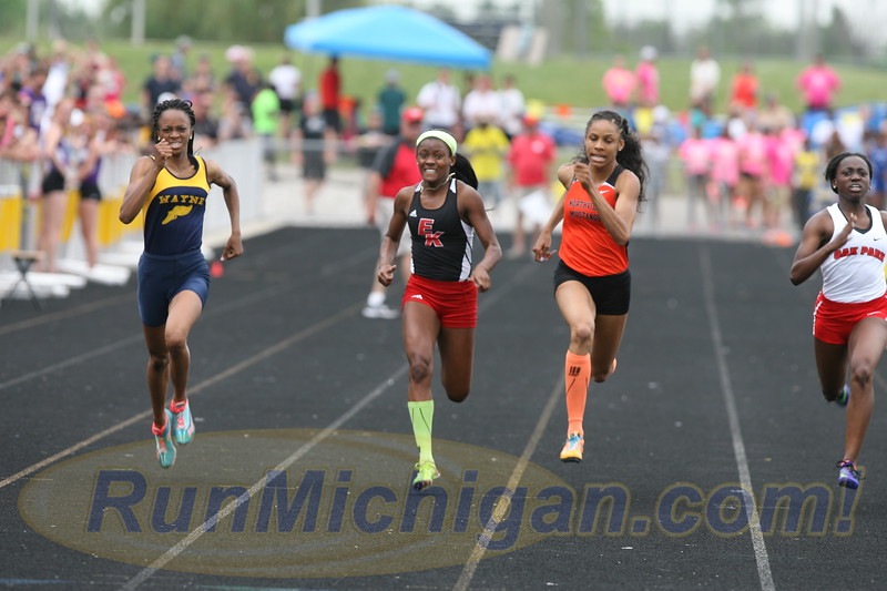 Anavia Battle of Wayne Memorial High School at the 2016 Michigan High School Athletic Association LP Division One Track and Field Finals. RunMichigan photo by Carter Sherline.