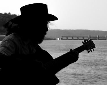DA022,DB,Mississippi music man