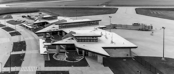 DA040,DT,Dubuque_Iowa_Aerial_View_Modern_Terminal