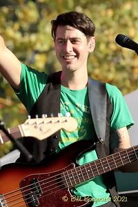 Eric Minden - Nova Scotiables - Ol MacDonalds Music Festival 9-21 0406