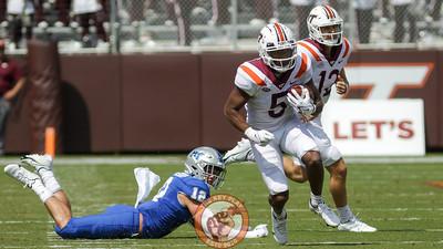 RB Raheem Blackshear makes an MTSU player miss a tackle on a rushing play. (Mark Umansky/TheKeyPlay.com)