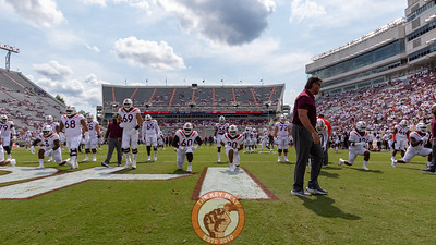 Virginia Tech's players warm up in the North Endzone before kickoff. (Mark Umansky/TheKeyPlay.com)