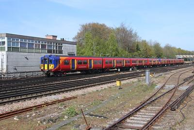 5861 Basingstoke 26/04/21 5Y51 Bournemouth T&RSMD to Wimbledon Park Depot Sidings led by 5710