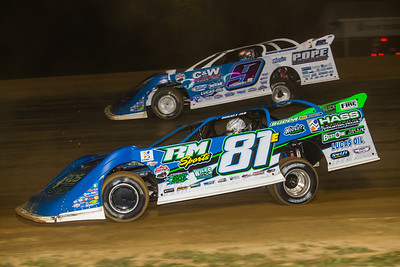 Tanner English (81E) and Devin Moran (9)