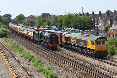 """16 June 2021 ::  LMS Royal Scot Class 7P 4-6-0 46100 """"Royal Scot"""" slows for a red signal at Eastleigh while working 1Z44 from Wolverhampton to Portsmouth Harbour passing 66786 on 4M19 from Southampton to East Midlands Gateway"""