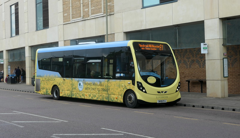 Grayline Wright Streetlite SK19EYJ in Bicester on the E1 to Elmsbrook, 01.05.2021.