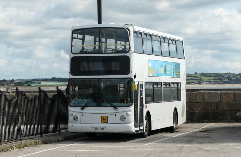 First Cornwall Volvo Alexander ALX400 LJ05BKK 32128 (ex Arriva London VLA117) at Penzance bus station, 11.09.2021.