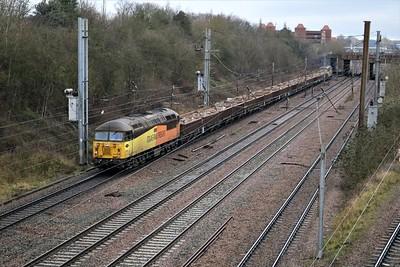 56105 tnt 56302 approaches Welwyn Garden City at 1300/6c83 London Kings Cross to Doncaster Belmont return working