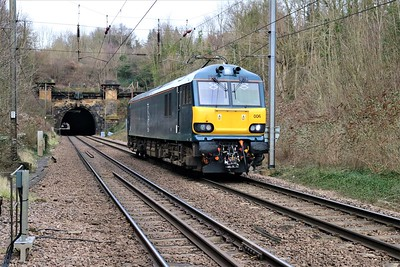 92006 passing Welwyn North at 1255/0Z32 Connington Loop to Wembley