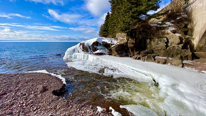 Cascade River flowing into Lake Superior.