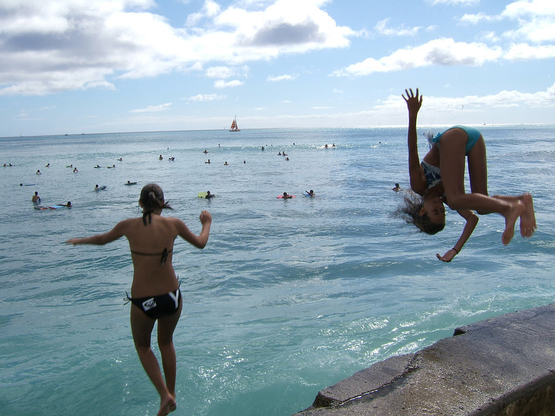 Oahu, Honolulu, Rachel, skyline, surfers, bellyboarders