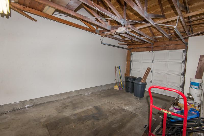 DSC_0718_garage