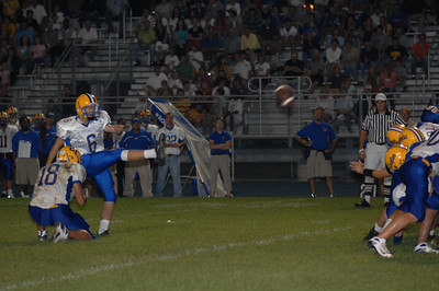 LT, makes a fieldgoal, taking a 3 to 0 lead in the first half.