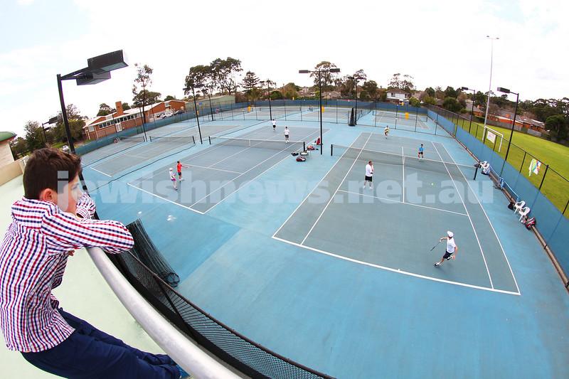 23-8-14. Maccabi tennis Grade 3 Pennant def Kooyong.  Photo: Peter Haskin