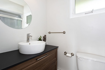 2576 Bath 1