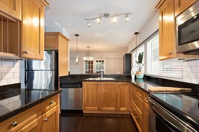 2576 Kitchen 2