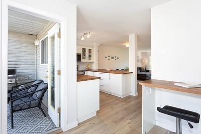 C27 Kitchen Deck
