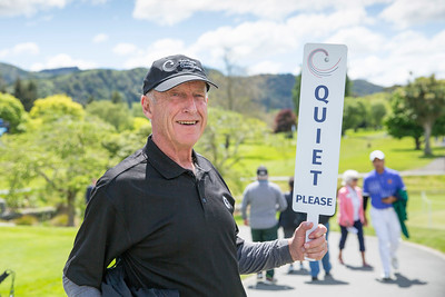 Volunteer John Spry on the1st day of competition in the Asia-Pacific Amateur Championship tournament 2017 held at Royal Wellington Golf Club, in Heretaunga, Upper Hutt, New Zealand from 26 - 29 October 2017. Copyright John Mathews 2017.   www.megasportmedia.co.nz