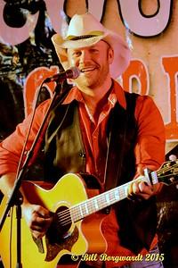 Craig Moritz - Canadian Country Christmas at Moonshiners 092