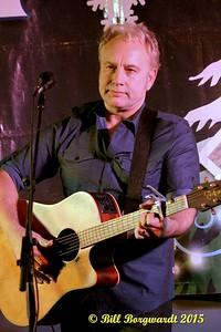 Thomas Wade - Canadian Country Christmas at Moonshiners 101