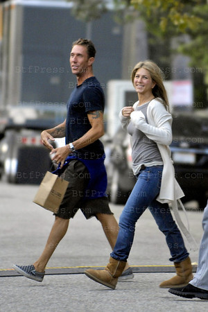 Jennifer Aniston and Ben Affleck during the set of HE'S JUST NOT THAT INTO YOU.