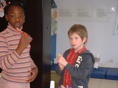 Thema gezondheid - tanden poetsen 1ste en 2de leerjaar
