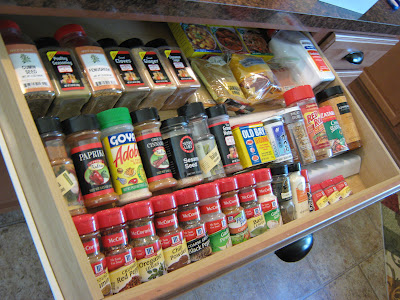 "<a href=""http://fakeitfrugal.blogspot.com/2012/09/in-drawer-spice-organizerfree.html"">http://fakeitfrugal.blogspot.com/2012/09/in-drawer-spice-organizerfree.html</a>"