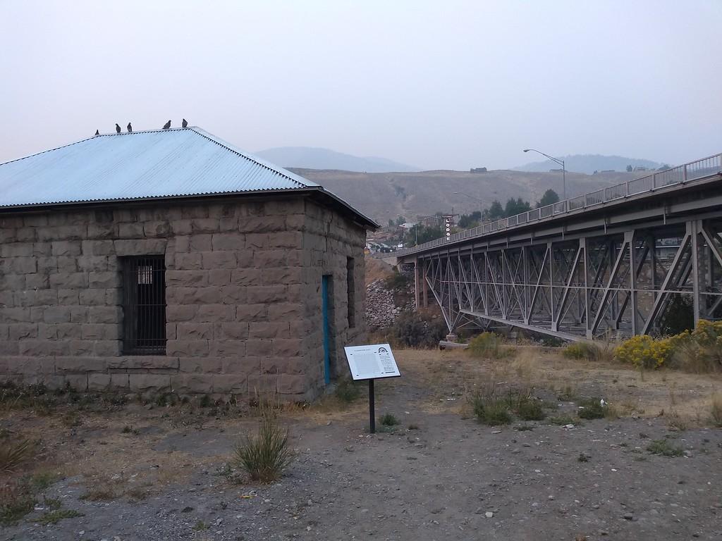 gardiner montana jail and bridge over yellowstone river