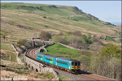 153331 brings up the rear of 2H92 1449 Leeds-Carlisle lead by 156490 as they cross Ais Gill Viaduct on 28/04/2007.