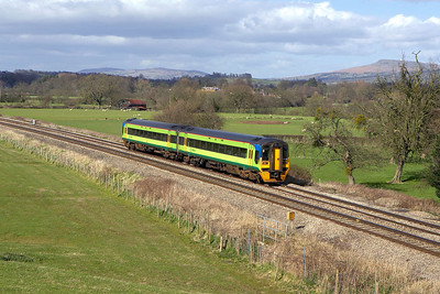 158853 approaches Woofferton on 13/04/2006 whilst forming 1V87 1456 Manchester Oxford Road-Carmarthen.