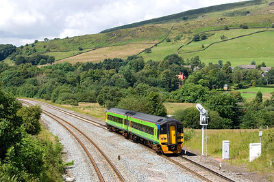 158788 passes Chinley whilst forming 1L17 1052 Liverpool Lime Street-Norwich on 28/07/2007.