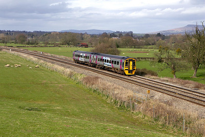 158860 approaches Woofferton on 12/04/2006 whilst forming 1V87 1456 Manchester Oxford Road-Carmarthen.