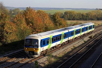 166217 passes South Moreton on 27/10/2005 forming 2N46 1403 London Paddington-Oxford.