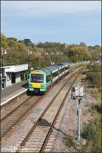 171729 departs from Rye whilst forming 2D34 1249 Eastbourne-Ashford on 12/10/2018.