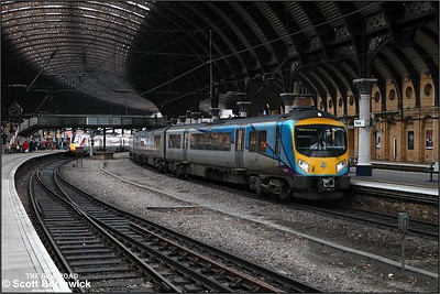 185112 calls at York with 1P71 1047 Manchester Airport-Middlesbrough on 05/12/2019.