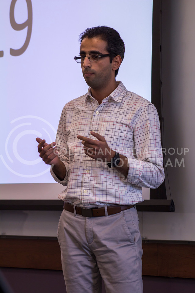 Delivering his 3 minute thesis Hojjat Fallahi, Electrical Engineering PhD discusses Microwaves defeat diseases on Feb. 13, 2018 at the College of Business Building. (Andrea Klepper | Collegian Media Group)
