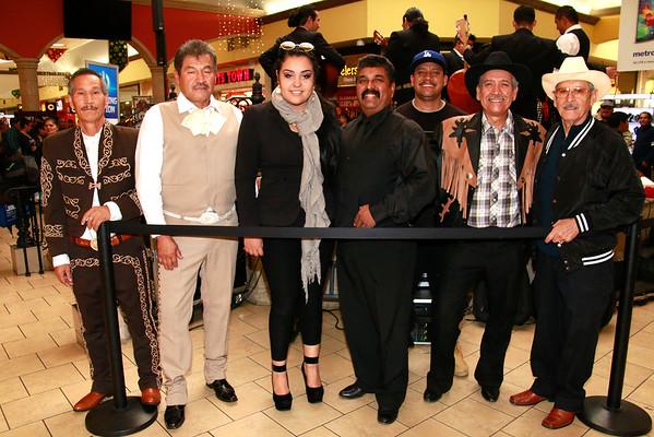 11-23-2014 SANTA CECILIA at the Panorama Mall