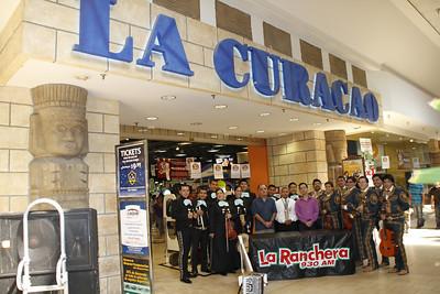 """Ve a donde la Música te lleve.  1er Ronda  Acompañenos el Domingo, 7 de Agosto, de la 1:00 en el Patio Central de Panorama Mall con el  anfitrión Francisco Verdin, """"La Voz del Valle"""" y el juez de honor Dr. Raul Ruiz, Presidente y Productor Ejecutivo de Star Entertainment. Esta sera la primera ronda del """"Concurso - Nuestro Mariachi"""".  Final  Acompañenos el Domingo, 21 de Agosto, de las 3:00 en el Patio Central de Panorama Mall.  El  anfitrión Francisco Verdin, """"La Voz del Valle"""" y el juez de honor Dr. Raul Ruiz, Presidente y Productor Ejecutivo de Star Entertainment escojerán el mejor mariachi de la region. El ganador del """"Concurso – Nuestro Mariachi"""" será coronado como el mariachi oficial de Panorama Mall. El evento contará con el Ballet Folklorico Ollin. Sea parte de la emoción.  Para más información, visite www.panoramamall.com o llamenos 818.894.9258."""