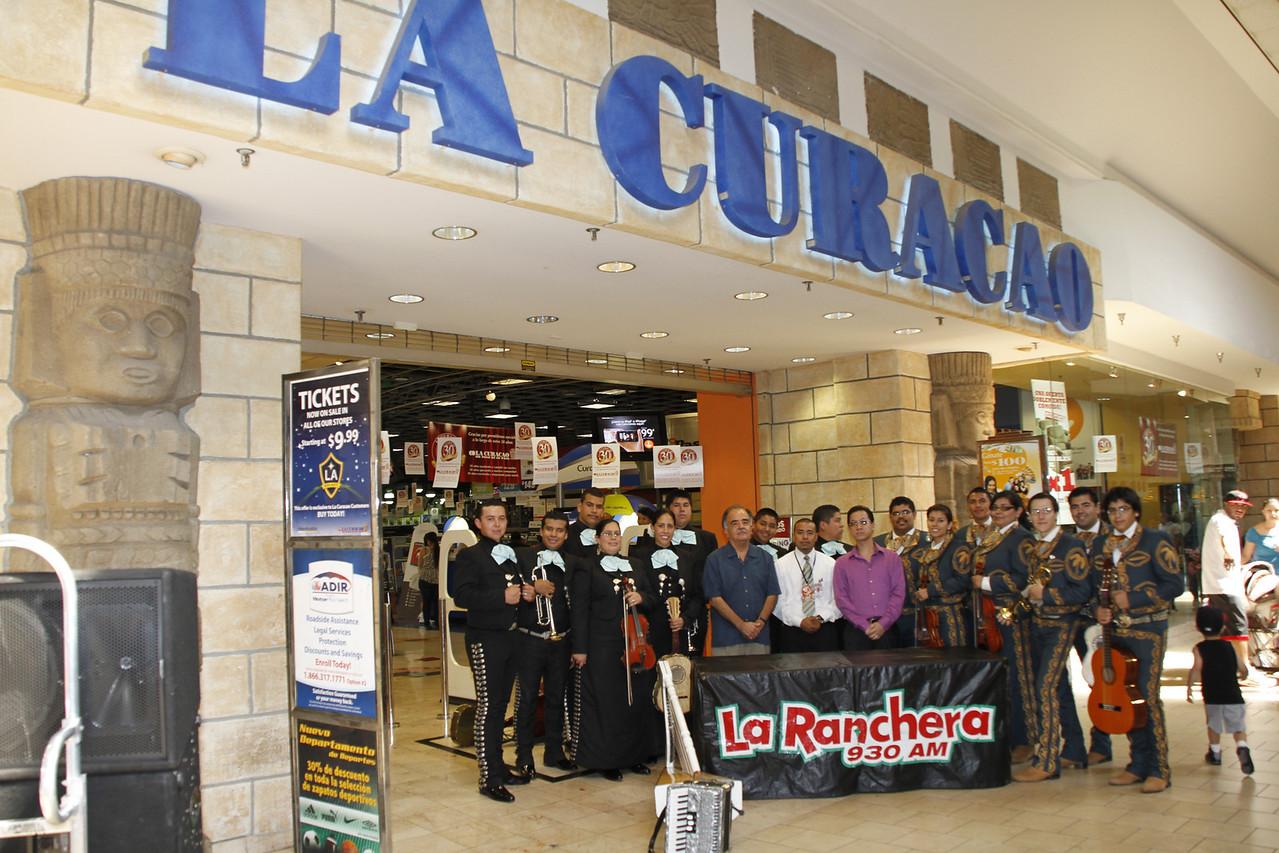 """Panorama Mall in partnership with La Curacao, welcomed over 500 guests during its first """"Nuestro Mariachi Contest"""". The winning group from the competition will receive a one-year contract to play at Panorama Mall on Sundays and special occasions. Ve a donde la Música te lleve.  1er Ronda  Acompañenos el Domingo, 7 de Agosto, de la 1:00 en el Patio Central de Panorama Mall con el  anfitrión Francisco Verdin, """"La Voz del Valle"""" y el juez de honor Dr. Raul Ruiz, Presidente y Productor Ejecutivo de Star Entertainment. Esta sera la primera ronda del """"Concurso - Nuestro Mariachi"""".  Final  Acompañenos el Domingo, 21 de Agosto, de las 3:00 en el Patio Central de Panorama Mall.  El  anfitrión Francisco Verdin, """"La Voz del Valle"""" y el juez de honor Dr. Raul Ruiz, Presidente y Productor Ejecutivo de Star Entertainment escojerán el mejor mariachi de la region. El ganador del """"Concurso – Nuestro Mariachi"""" será coronado como el mariachi oficial de Panorama Mall. El evento contará con el Ballet Folklorico Ollin. Sea parte de la emoción.  Para más información, visite www.panoramamall.com o llamenos 818.894.9258."""