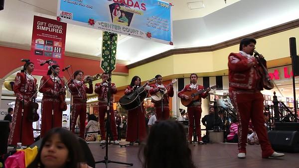 12-15-2013 LAS POSADAS RUDY GARCIA  (16)