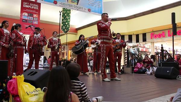 12-15-2013 LAS POSADAS SINGER  (18)
